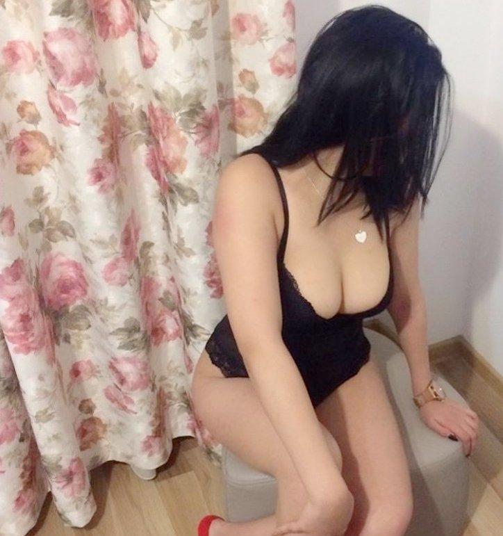 Maseuza Escorta - Ofer masaj erotic si sex in Bucuresti McDonalds