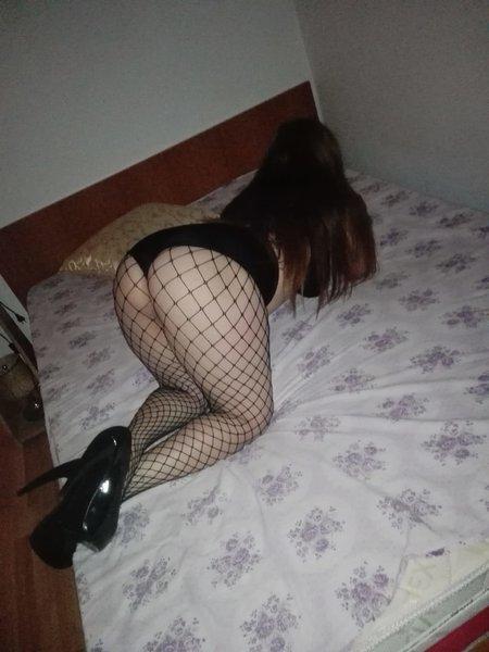 Andreea - Escorta sexy ofer domnilor masaj de relaxare erotic si sex - Bucuresti Romania