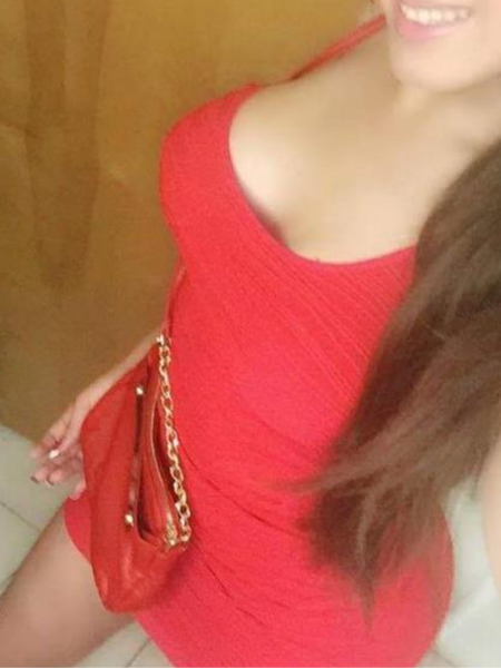 Alexandra - Maseuza in Bucuresti 24 ani Ofer Domnilor Masaj de Relaxare si Masaj Erotic - zona Militari