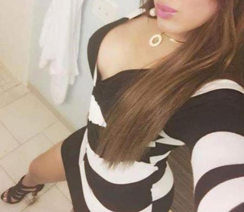 Alexandra - Maseuza in Bucuresti 24 ani OferDomnilor Masaj Relaxare si Erotic - zona Militari